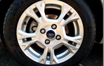 Ford New Fiesta SE 1.6 16V - Foto #8