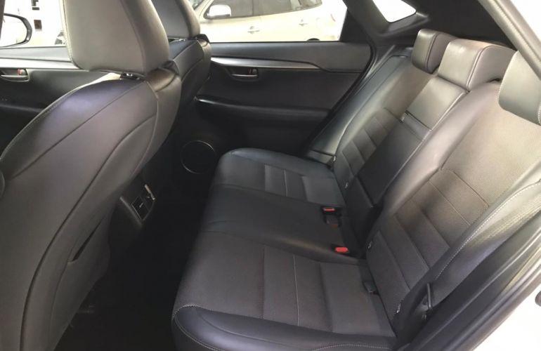 Lexus NX 200t F-Sport 2.0 4WD - Foto #4