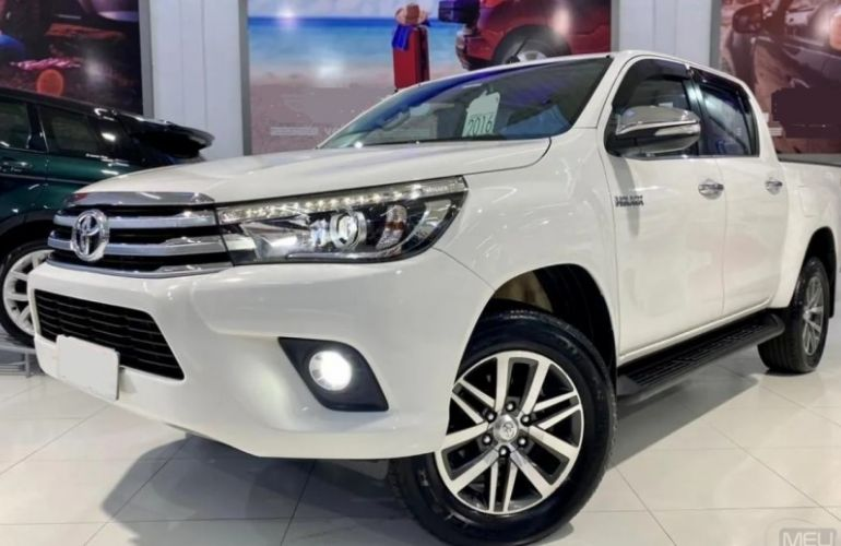 Toyota Hilux 2.8 TDI SRX CD 4x4 (Aut) - Foto #1