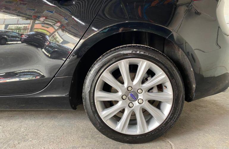 Volvo V40 1.5 T3 Kinetic - Foto #5