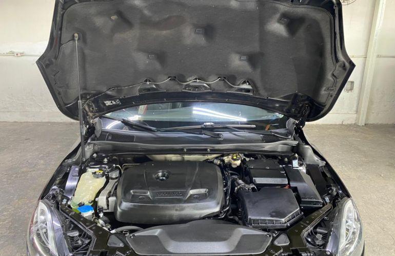 Volvo V40 1.5 T3 Kinetic - Foto #6