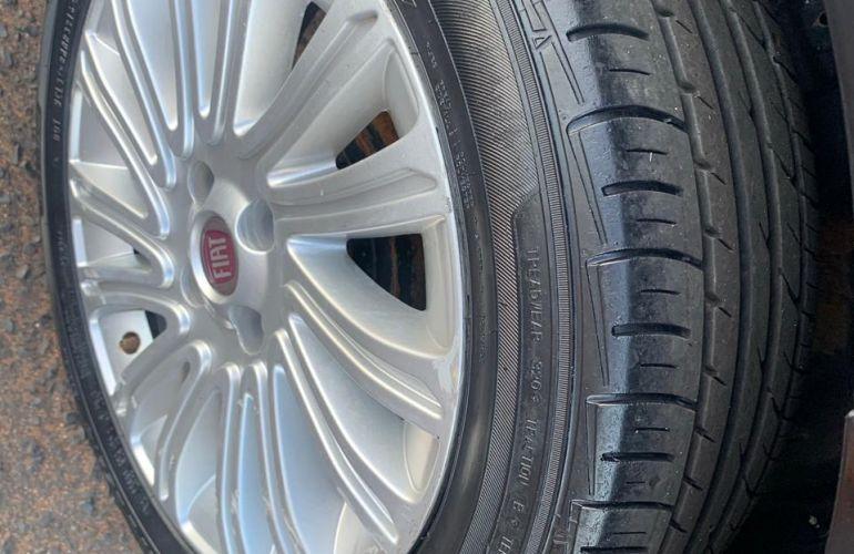 Fiat Grand Siena Essence 1.6 16V Dualogic (Flex) - Foto #6