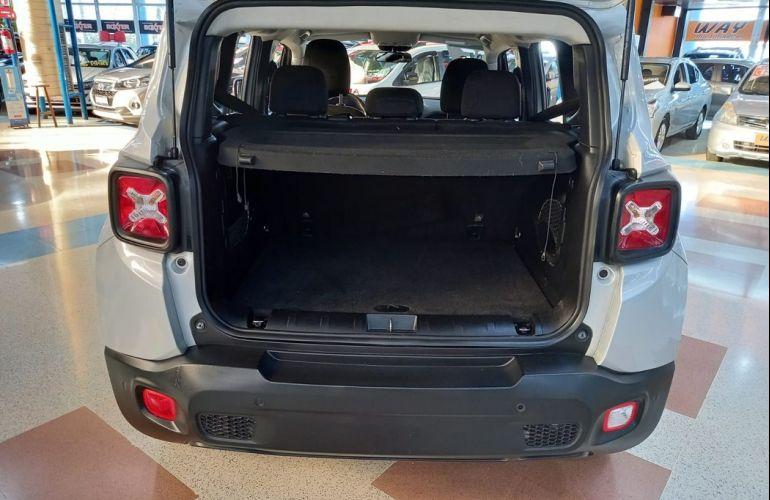 Jeep Renegade 1.8 16V Longitude - Foto #4
