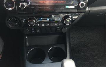 Toyota Hilux 2.8 D-4d Turbo CD Srv 4x4 - Foto #6