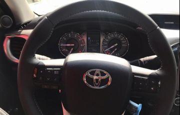 Toyota Hilux 2.8 D-4d Turbo CD Srv 4x4 - Foto #7