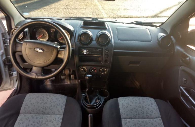 Ford Fiesta 1.6 Rocam Sedan 8v - Foto #2