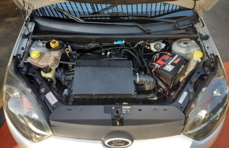 Ford Fiesta 1.6 Rocam Sedan 8v - Foto #6