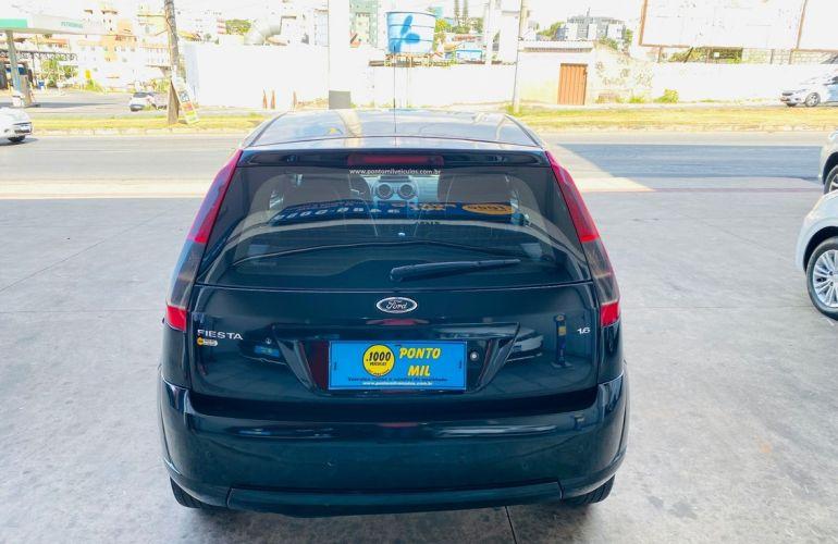 Ford Fiesta 1.6 MPi Class Hatch 8v - Foto #5