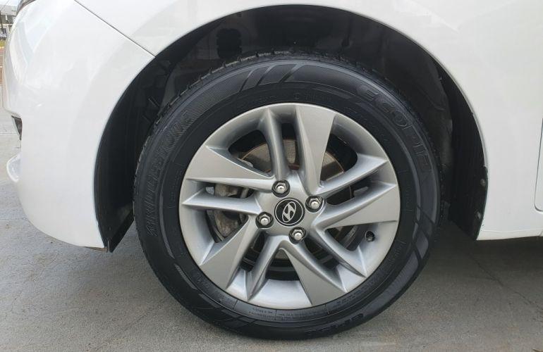 Hyundai HB20S 1.6 Comfort Style - Foto #4