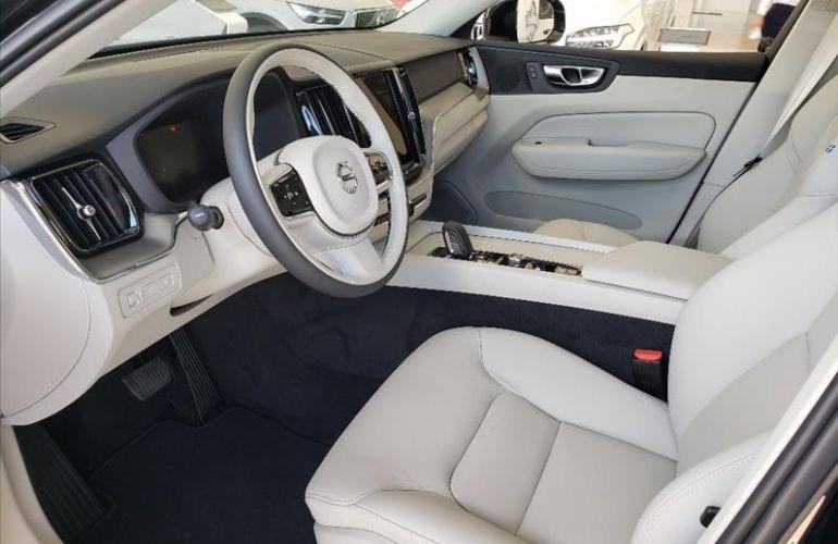 Volvo XC60 2.0 T8 Hybrid Momentum AWD Geartronic - Foto #5