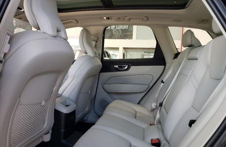 Volvo XC60 2.0 T8 Hybrid Momentum AWD Geartronic - Foto #7