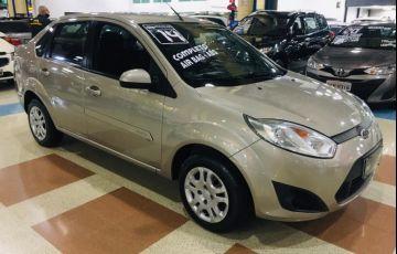 Ford Fiesta 1.6 Rocam SE Sedan 8v - Foto #1