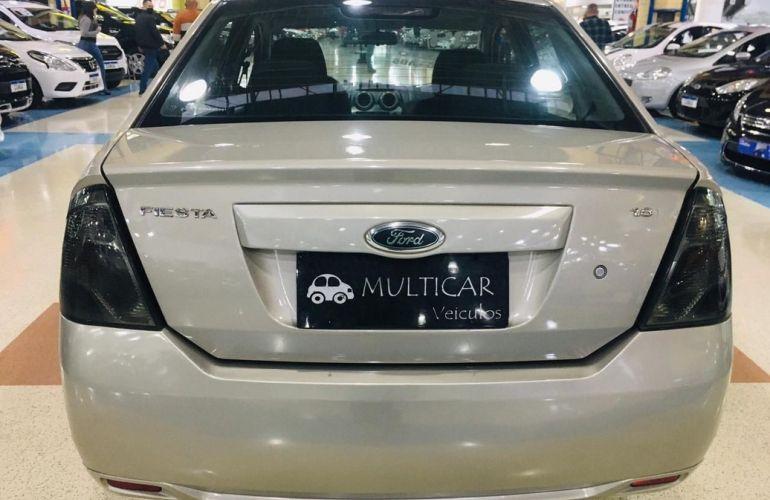 Ford Fiesta 1.6 Rocam SE Sedan 8v - Foto #9