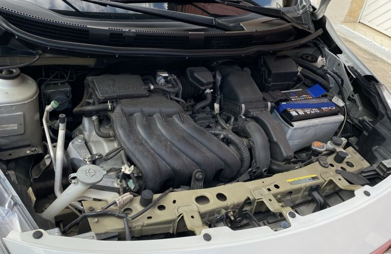 Nissan Versa 1.6 16V Unique (Flex) - Foto #4