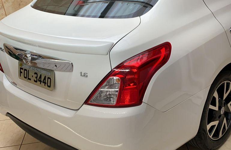 Nissan Versa 1.6 16V Unique (Flex) - Foto #9