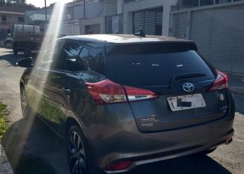 Toyota Yaris 1.3 XL CVT (Flex) - Foto #2