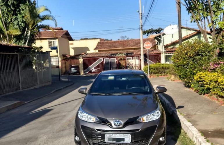 Toyota Yaris 1.3 XL CVT (Flex) - Foto #3