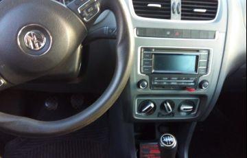 Volkswagen Fox 1.0 TEC  BlueMotion (Flex) 2p - Foto #3