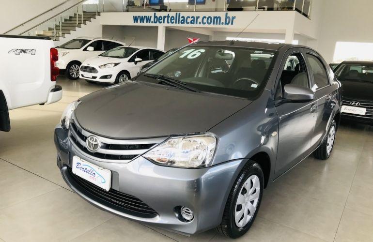 Toyota Etios Sedan X Plus 1.5 (Flex) - Foto #1