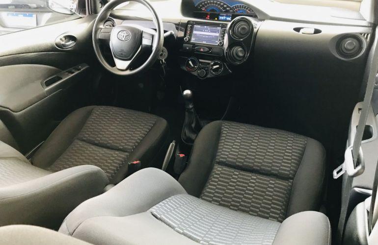 Toyota Etios Sedan X Plus 1.5 (Flex) - Foto #5