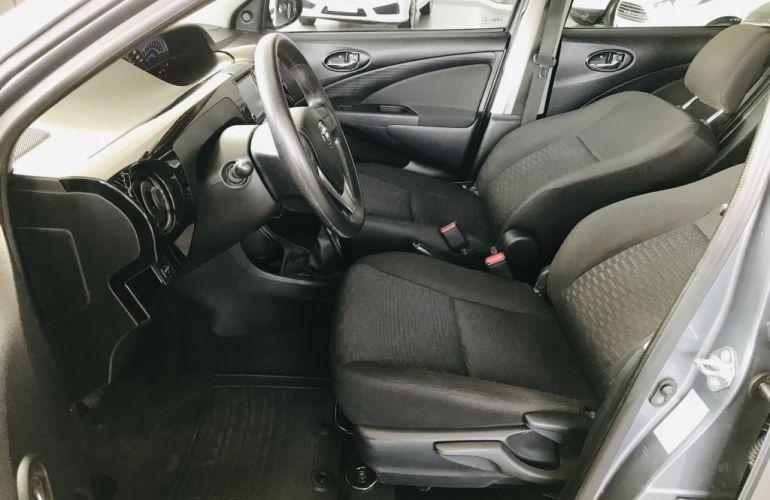 Toyota Etios Sedan X Plus 1.5 (Flex) - Foto #8