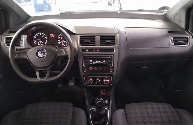 Volkswagen Fox 1.0 MPi Track 12v - Foto #10