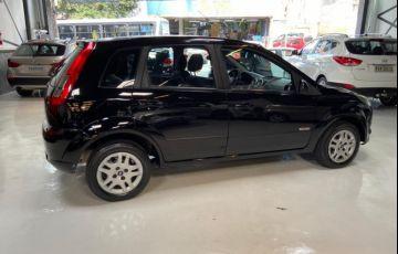 Ford Fiesta 1.6 MPi Hatch 8v - Foto #6