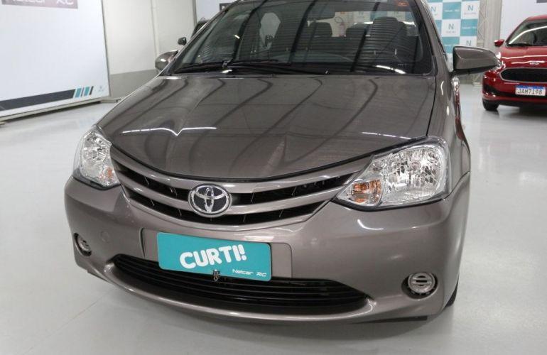 Toyota Etios Sedan X-AT 1.5 16V Flex - Foto #1