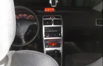 Peugeot 307 Hatch. Feline 2.0 16V - Foto #4
