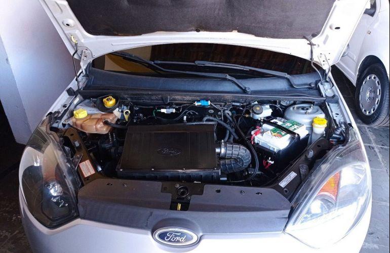 Ford Fiesta 1.0 MPi Hatch 8v - Foto #6