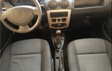 Renault Logan 1.6 Expression 8V Hi-flex 4p Manual - Foto #7