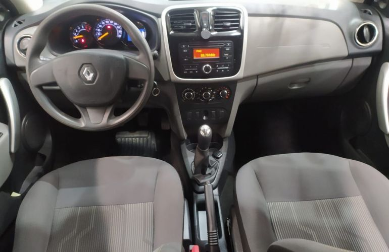 Renault Logan 1.0 Expression 16v - Foto #5