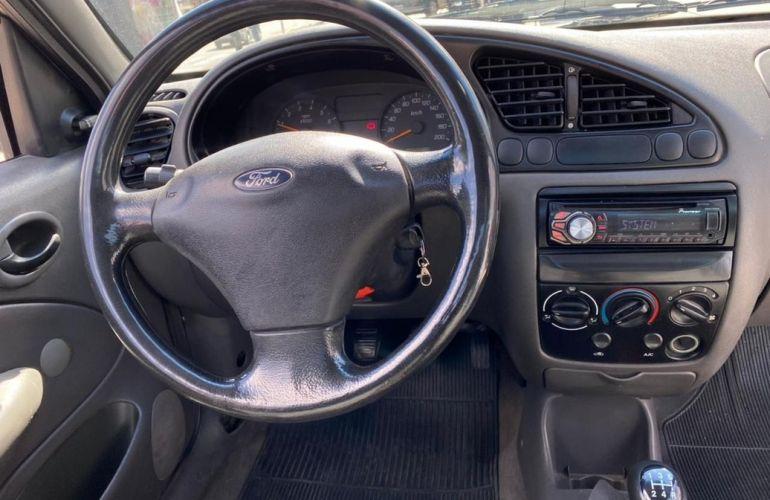 Ford Courier 1.6 L 8v - Foto #7
