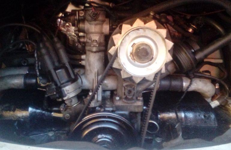 Volkswagen Kombi Standard Lotação 1.6 - Foto #3
