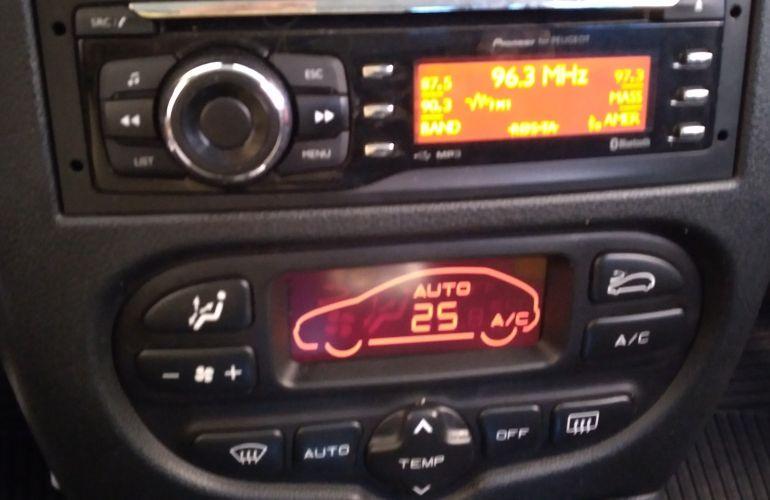 Peugeot 207 Hatch XS 1.6 16V (flex) (aut) - Foto #8