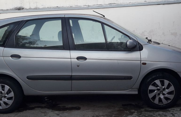 Renault Scénic RT 1.6 16V (nova série) - Foto #2