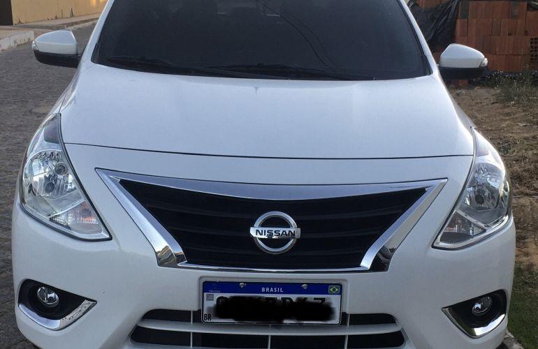 Nissan Versa 1.6 SV (Flex) - Foto #1
