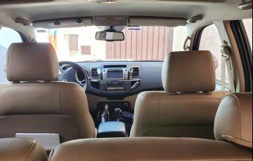 Toyota Hilux SW4 3.0 TDI 4x4 SRV 7L - Foto #4