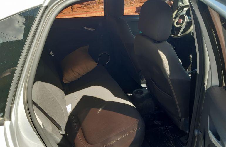 Fiat Grand Siena Tetrafuel 1.4 8V - Foto #3