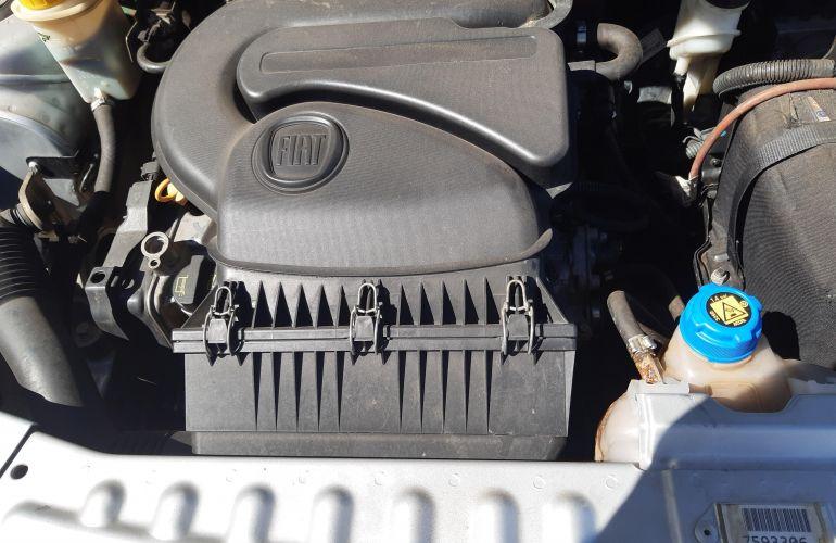 Fiat Grand Siena Tetrafuel 1.4 8V - Foto #8