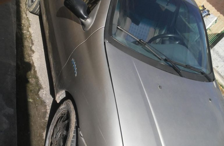 Fiat Siena 1.0 MPi (6 Marchas) - Foto #9