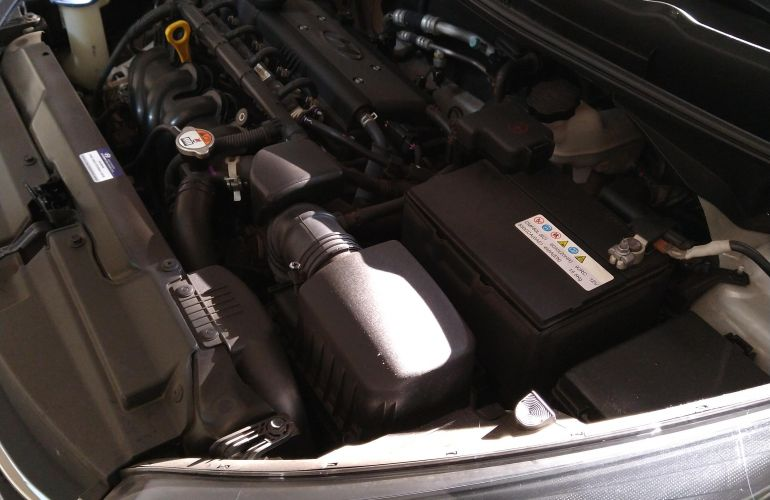 Hyundai HB20S 1.6 Comfort Plus - Foto #3