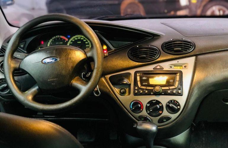 Ford Focus 2.0 Ha 16v - Foto #2