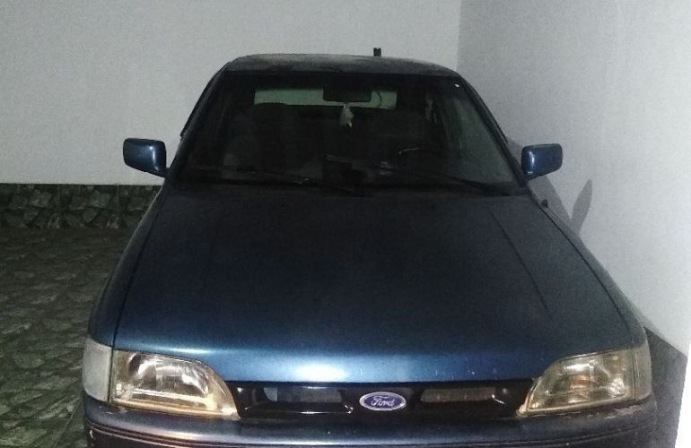 Ford Escort Hatch GL 1.8 - Foto #1