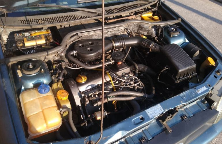 Ford Escort Hatch GL 1.8 - Foto #5