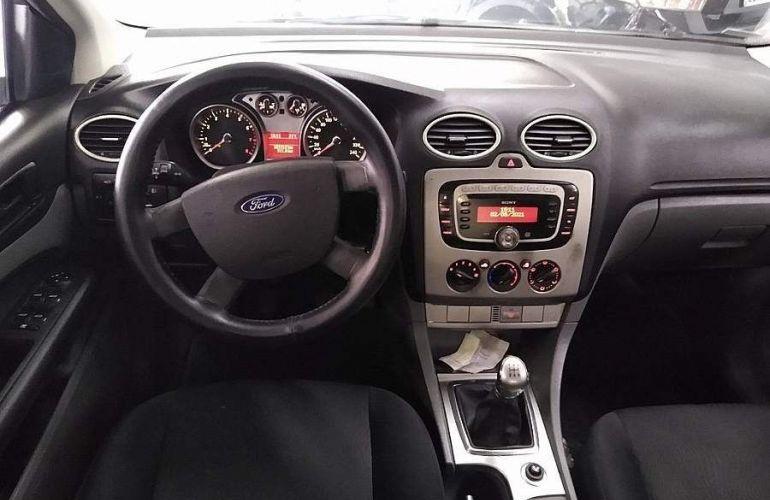 Ford Focus 1.6 Glx Sedan 16v - Foto #5