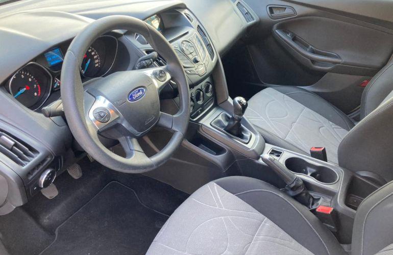 Ford Focus Hatch S 1.6 16V TiVCT - Foto #8