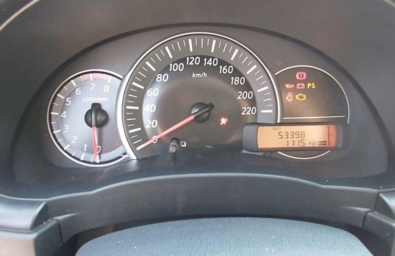 Nissan March 1.0 12V Conforto (Flex) - Foto #8