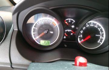 Ford Fiesta Hatch 1.0 (Flex) - Foto #9