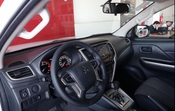 Mitsubishi L200 Triton Sport GLS At 2.4l 190 Cv - Foto #5